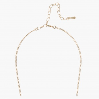Short Metallic Necklace with Lobster Clasp Fastening