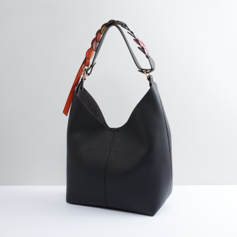 Handbag with Magnetic Snap Closure