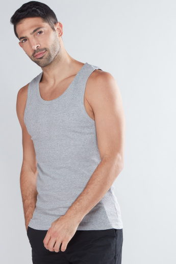 Sleeveless Vest with Round Neck