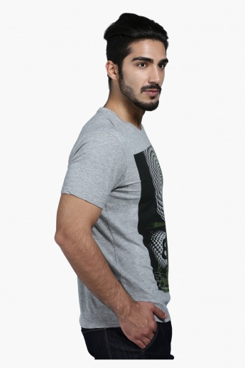 Graphic Print T-Shirt with Crew Neck and Short Sleeves in Regular Fit