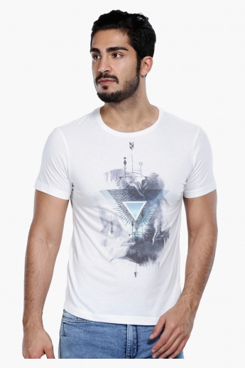 Printed Short Sleeves T-shirt with Round Neck in Slim Fit