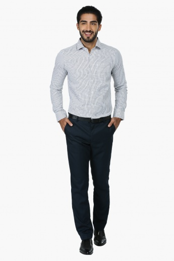 Chequered Long Sleeves Formal Shirt in Regular Fit