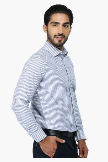 Striped Long Sleeves Formal Shirt in Regular Fit