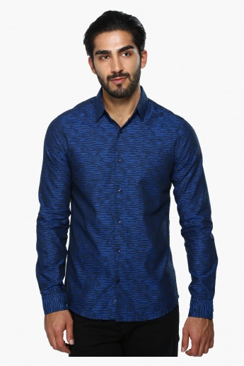 Printed Long Sleeves Casual Shirt in Slim Fit