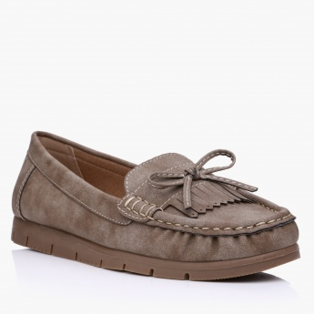 Slip-On Shoes with Fringes and Bow Applique