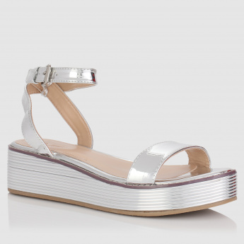 Metallic Finish Platform Heel Shoes with Buckle Closure