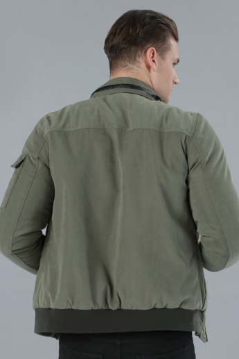 Zippered Jacket with Long Sleeves