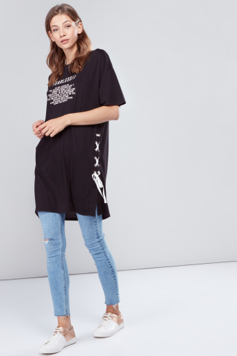 Slogan Printed Tunic with Short Sleeves and  Side Tie Pattern