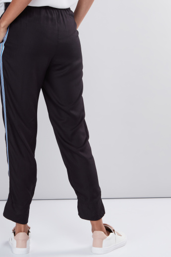 Cropped Pants with Elasticised Waistband and Pocket Detail