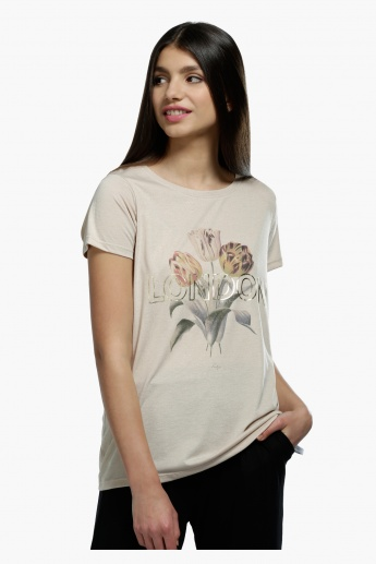 Foil Printed Short Sleeves T-Shirt In Regular Fit