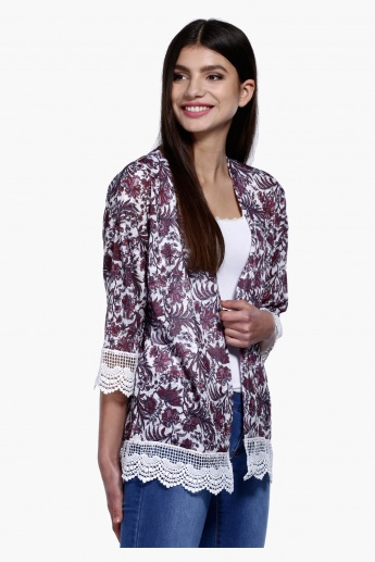 Printed Open Front Kimono with 3/4 Sleeves and Lace Detail in Regular Fit