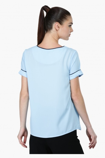 Short Sleeves Top with Round Neck