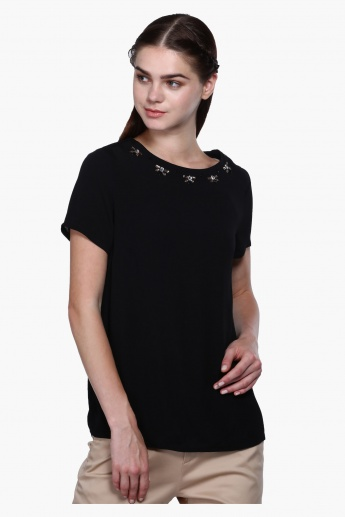 Embellished Detailed Top with Short Sleeves