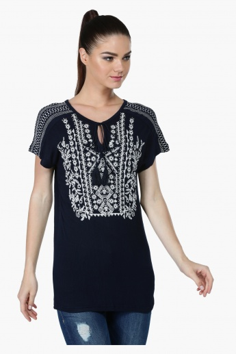 Printed Short Sleeves Top with Tasselled Tie-Ups