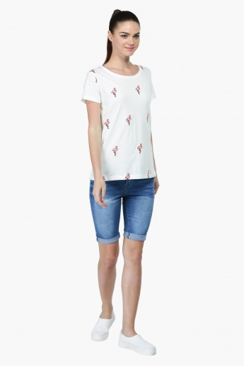 Emroidered Round Neck T-shirt with Short Sleeves