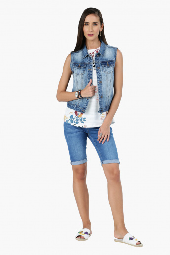 Sleeveless Denim Jacket with Pocket Detail