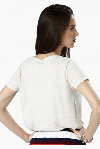 Embellished Round Neck Short Sleeves T-Shirt