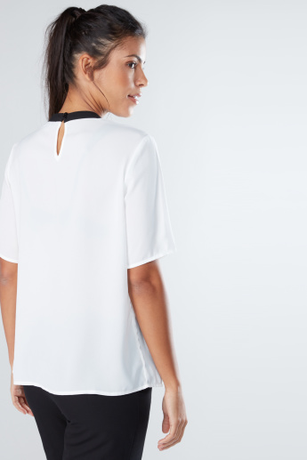 Round Neck Top with Short Sleeves and Pleat Detail