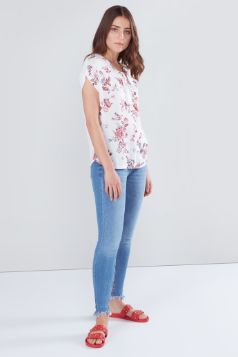 Floral Printed Top with V-neck and Tie Ups